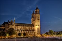 Magdeburg bei Nacht 002